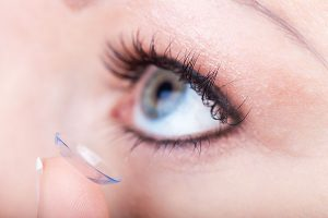 Contact Lens Insertion & Removal Training - Auburn Westboro Eye Assoc.